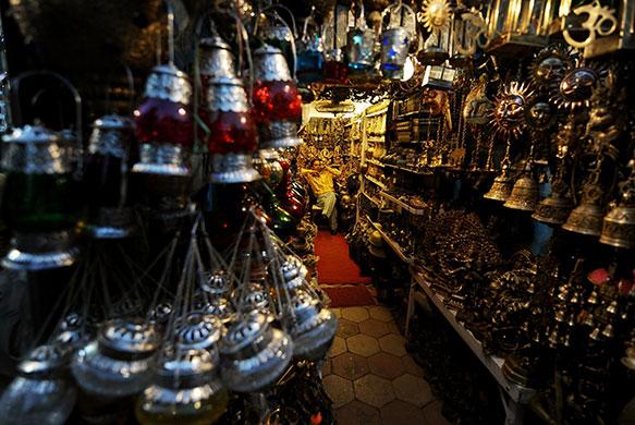 Shop Keeper : Janpath Street Market, New Delhi